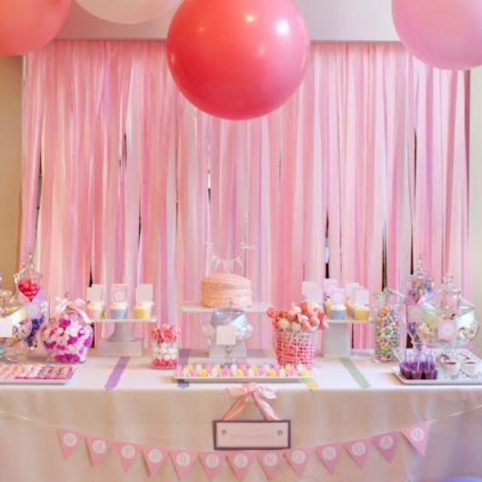 Cortina de Papel Crepom rosa modelo para festa