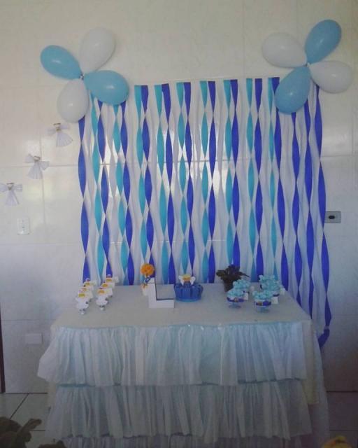 Cortina de Papel Crepom azul para festa simples