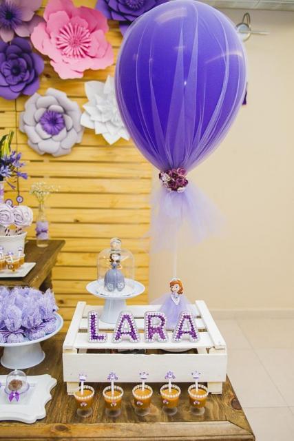 decoração com bexiga festa Princesa Sofia