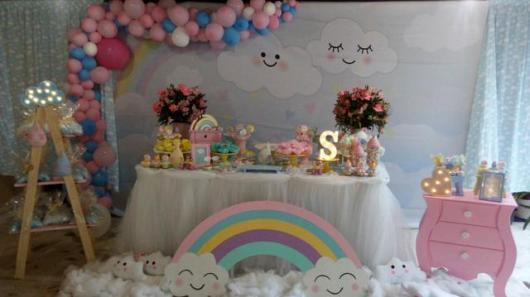 Festa Chuva de Amor decoração somples com balões