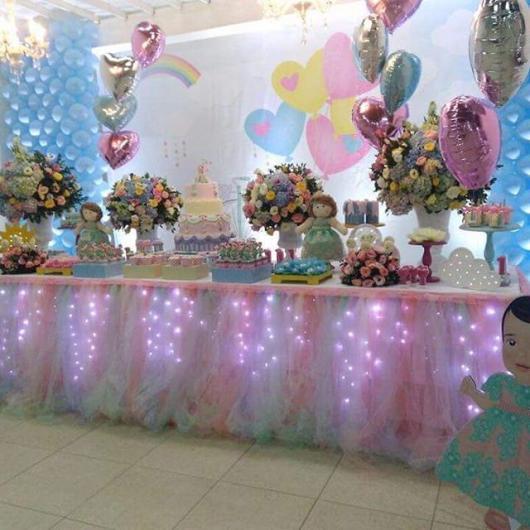 Festa Chuva de Amor de luxo mesa decorada com tule e LED