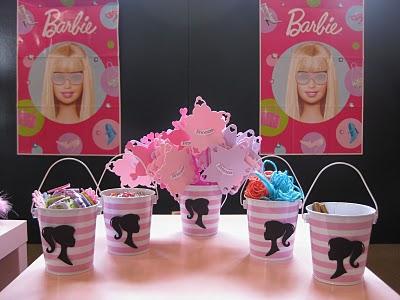 Festa da Barbie mesa de lembrancinhas
