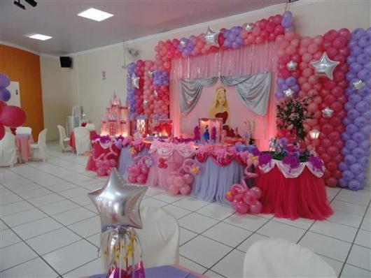 Festa da Barbie decoração com balões de estrela