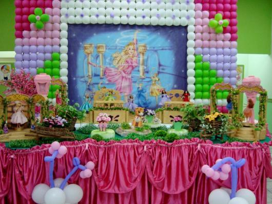 Festa da Barbie Bailarina painel com balões