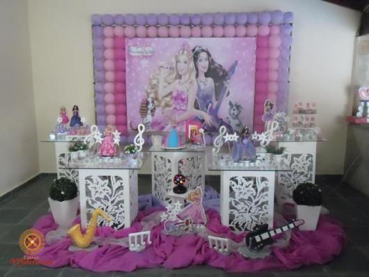 Festa da Barbie decoração provençal com painel personalizado