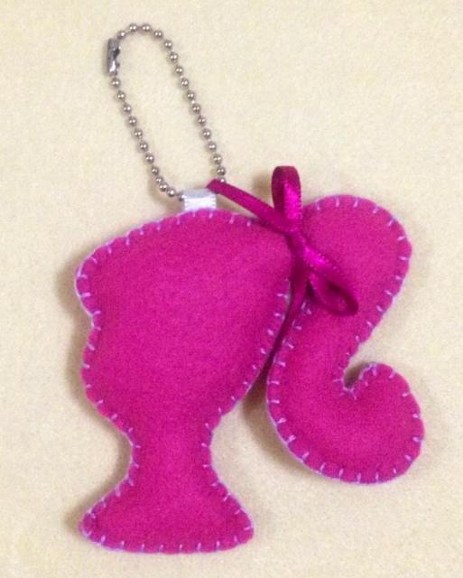Festa da Barbie lembrancinha chaveiro de feltro