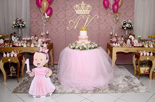 Festa Princesa baby com mesa principal decorada com tule