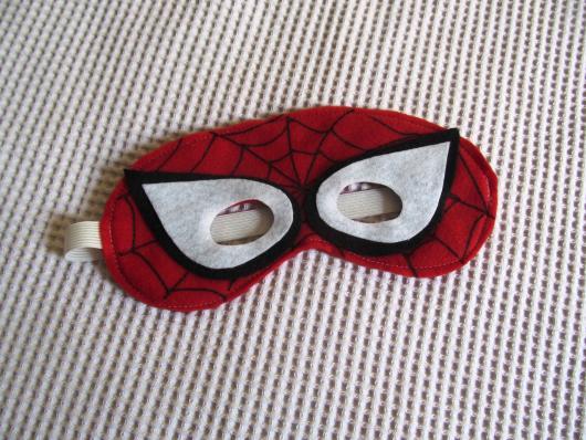 lembrancinhas do Homem-Aranha de feltro