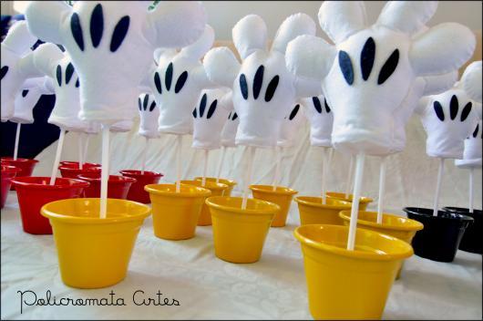 Lembrancinhas do Mickey vasinho decorativo com mão do mickey de feltro