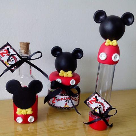 Lembrancinhas do Mickey personalizados com bicuit garrafinha, potinho e tubete