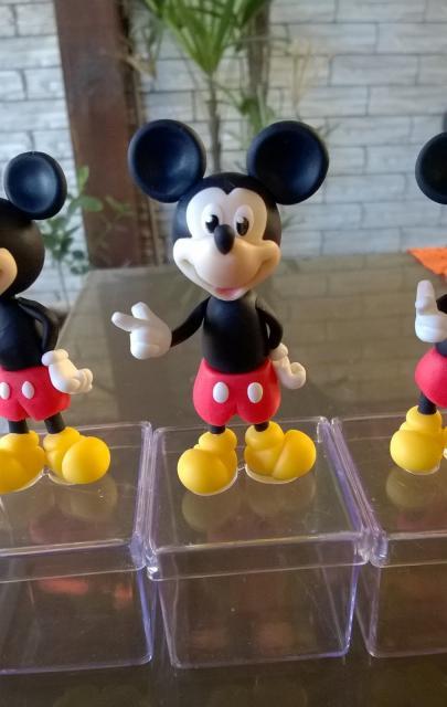 Lembrancinhas do Mickey caixinha de acrílico personalizada com biscuit