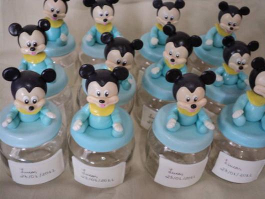 Lembrancinhas do Mickey potinho de papinha com aplique de biscuit