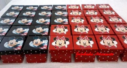 Lembrancinhas do Mickey e Minnie caixinha de MDF