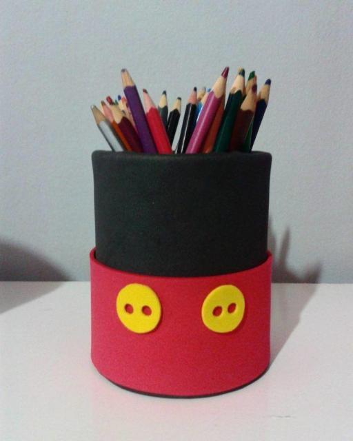 Lembrancinhas do Mickey porta lápis feito com garrafa pet
