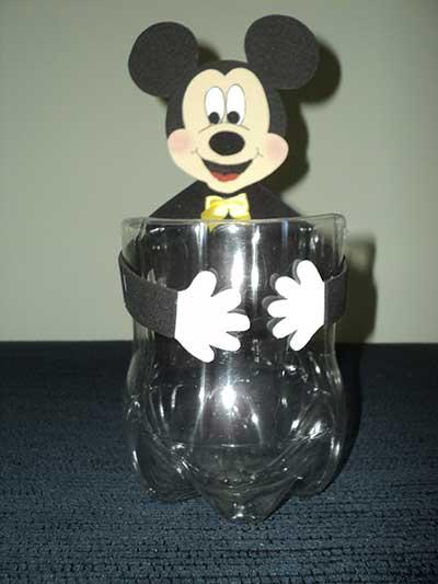 Lembrancinhas do Mickey feita com garrafa pet