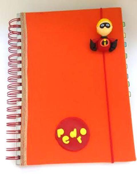 caderno customizado menino