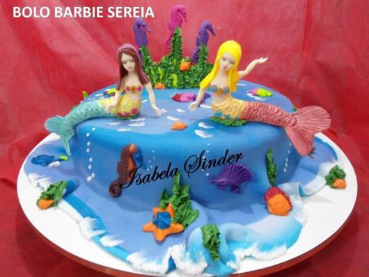 Bolo da Barbie com 2 sereias