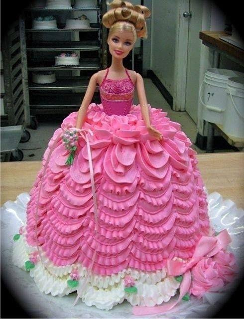 Bolo da Barbie no estilo bolo boneca