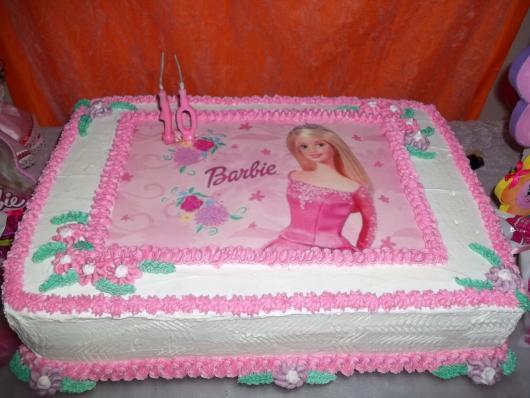 Bolo da Barbie com estilo vintage e papel de arroz