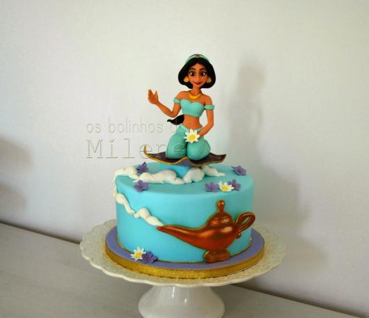 Bolo de Princesa modelo jasmine azul
