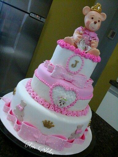 Bolo de Princesa com três andares rosa e branco