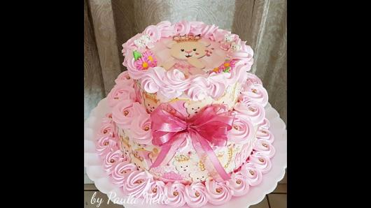 Bolo de Princesa rosa decorado com glacê