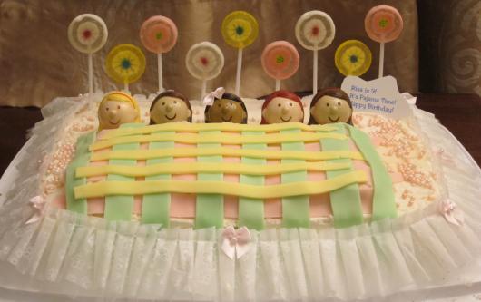 decoração de bolo de festa do pijama simples