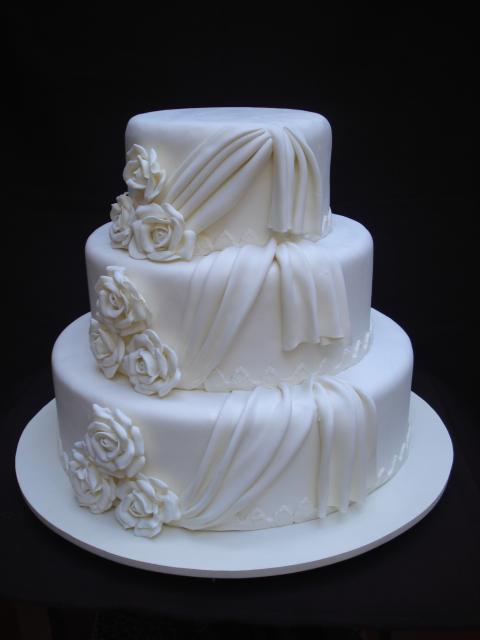 Bolo Fake Casamento de Tecido branco