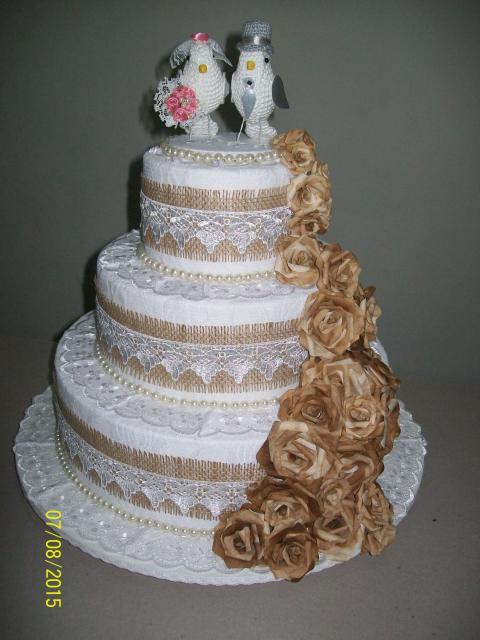 Bolo Fake Casamento de Tecido com detalhes de juta