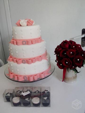 Bolo Fake Casamento rosa e salmão com 3 andares