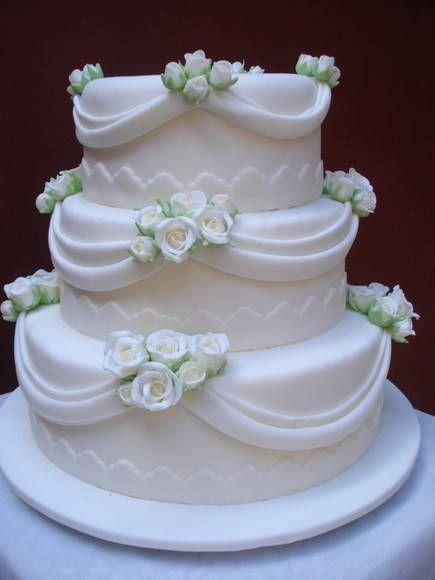 Bolo Fake Casamento de Biscuit com 3 andares