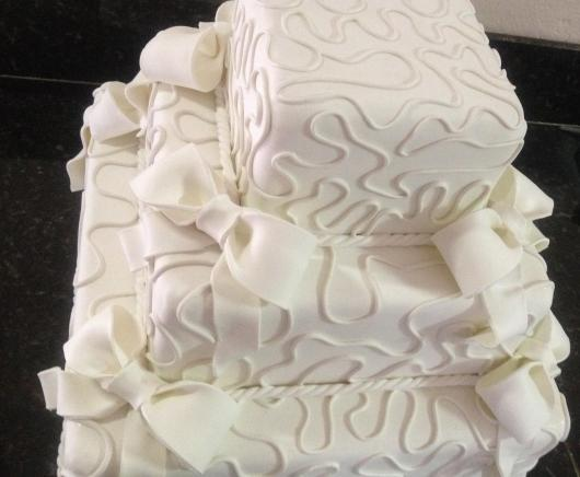 Bolo Fake Casamento de Biscuit quadrado