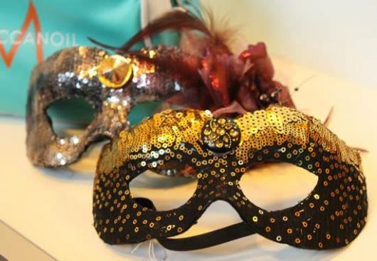 Como Fazer Máscara de Carnaval de papel com lantejoulas