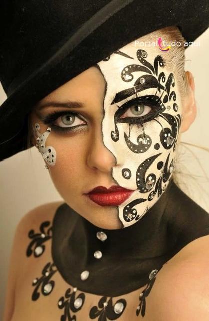 Como Fazer Máscara de Carnaval Veneza branca com detalhes em preto