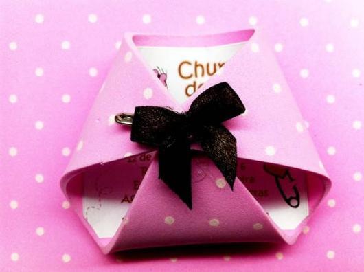 Convites Chá de Bebê de EVA para Menina em formato de fralda