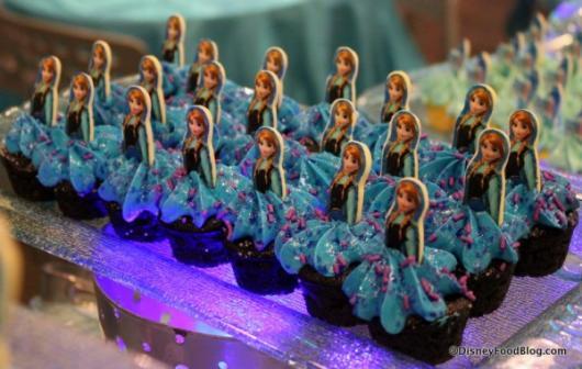 cupcake da Frozen boneca personalizada
