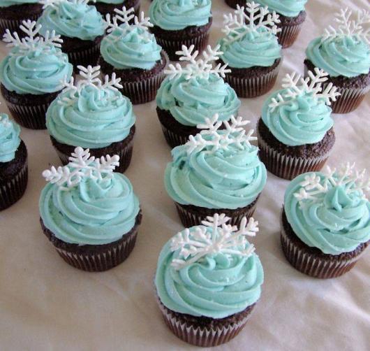 cupcake da Frozen decorado com ganache