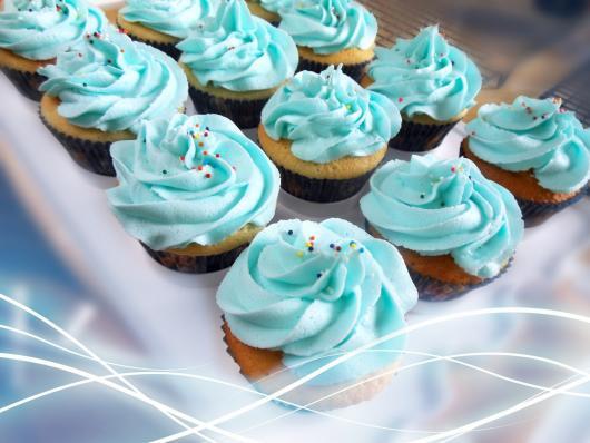 cupcake da Frozen com granulado e ganache