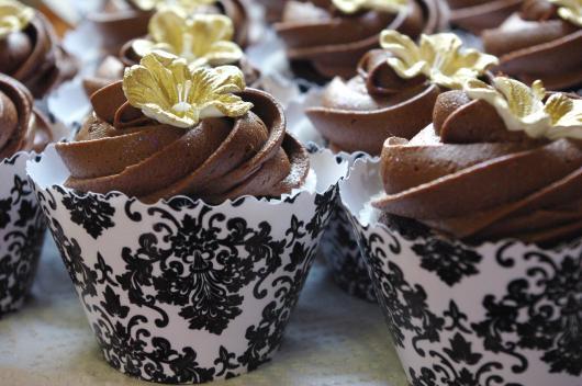 Cupcake de Chocolate wrapper preto e branco