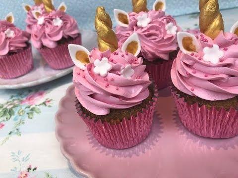 Cupcake de Unicórnio modelos de chantilly rosa