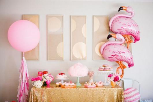 Decoração de 15 anos Simples do Tema Flamingo