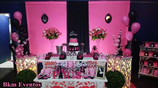 Decoração de 15 anos Paris rosa e preto