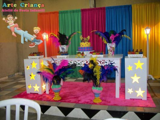 Decoração de 15 anos de Festa à Fantasia com estilo provençal