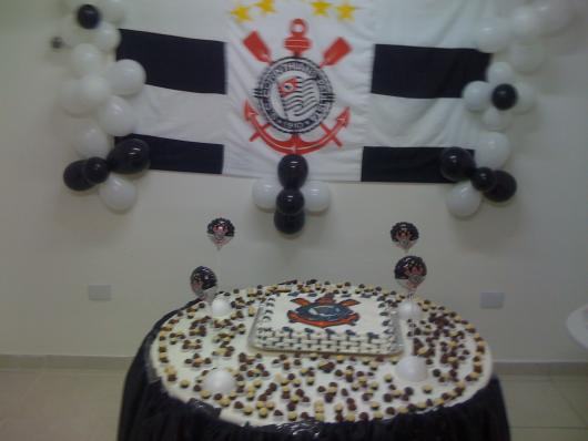 Decoração de Festa Simples futebol bandeira usada como painél
