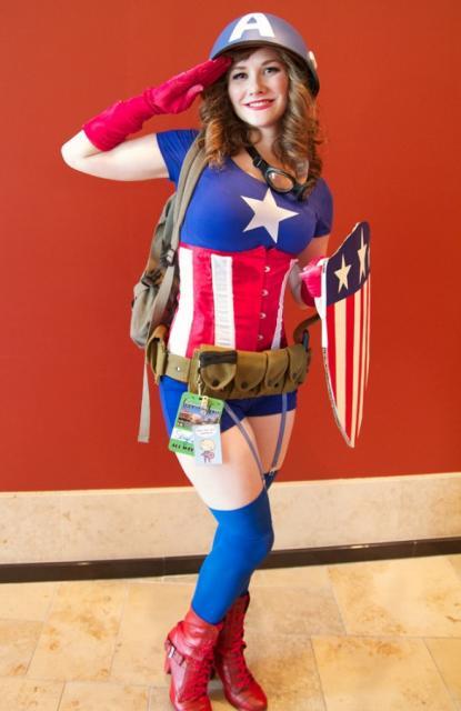 Fantasia Capitão América Feminina com bota cano curto