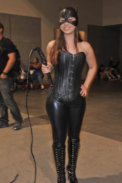 Fantasia Mulher Gato Luxo com corpete de couro