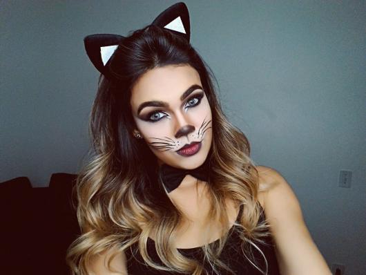 Fantasia Mulher Gato Maquiagem com rosto branco