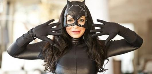 Fantasia Mulher Gato Simples com roupa preta