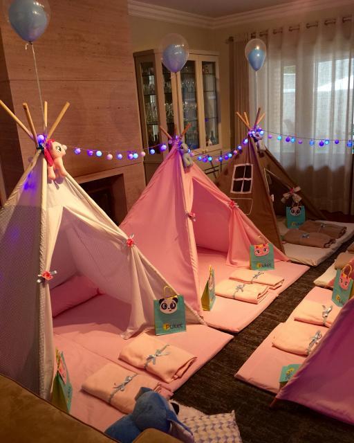 cabana feita com bambu para festa do pijama simples