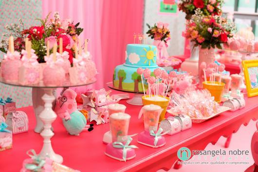 Decoração Festa Peppa Pig com detalhes em rosa baby e pink